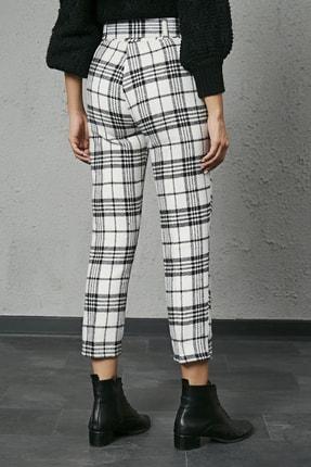 Sateen Kadın Ekru Siyah Ekose Kemerli Kaşe Pantolon 3