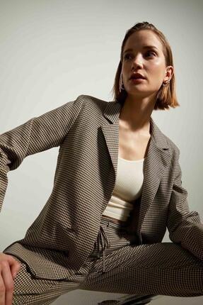 Defacto Kadın Bej Retro Spirit Kareli Relax Fit Blazer Ceket 0