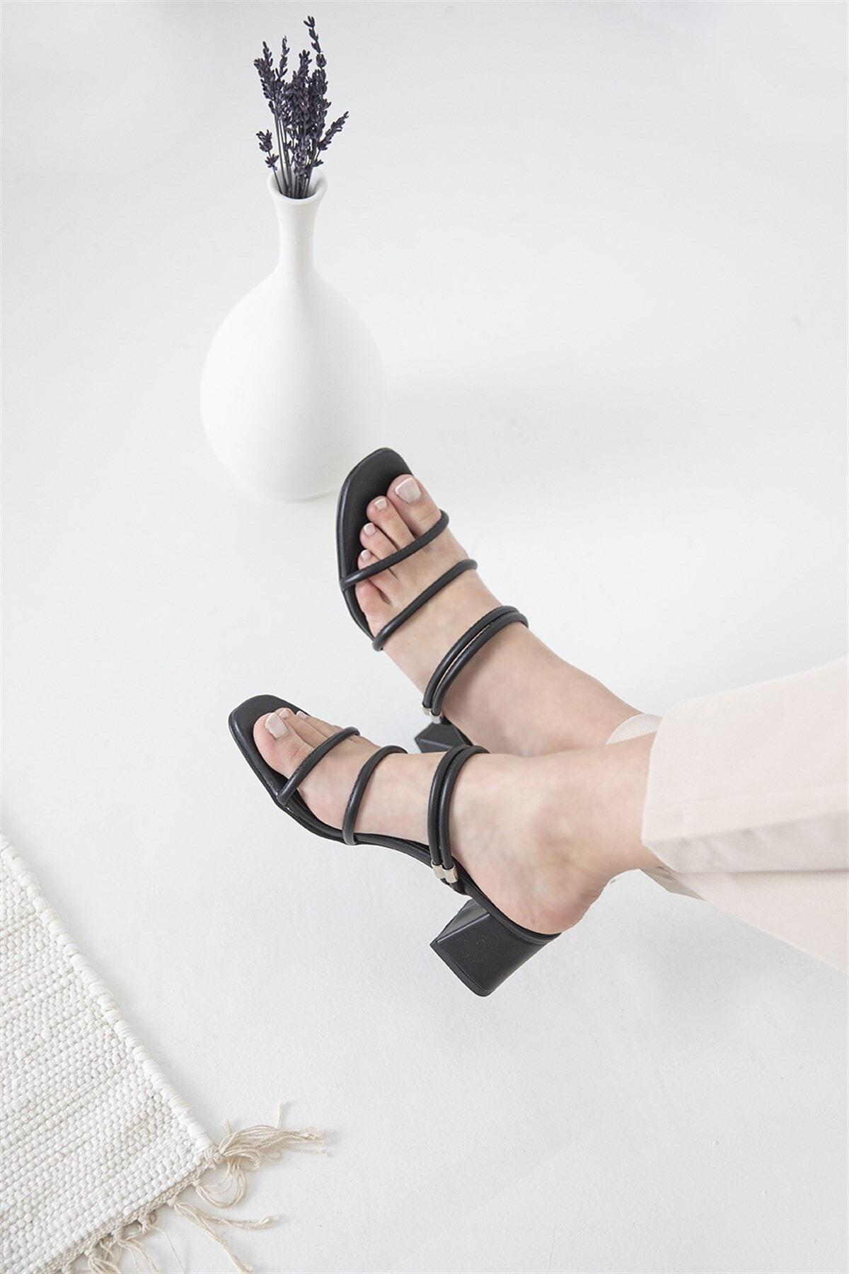 Camren Bayan Topuklu Deri Sandalet Siyah
