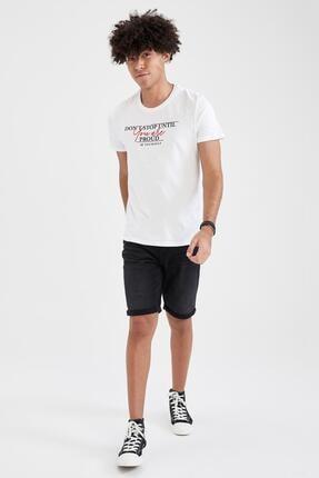 Defacto Erkek Beyaz Baskılı Slim Fit Bisiklet Yaka Pamuklu Tişört 3