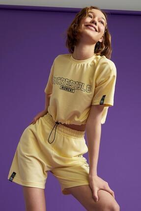 Defacto Coool Slogan Baskılı Beli Bağcıklı Kısa Kollu Crop Tişört 3