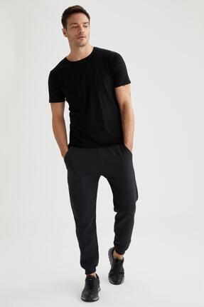 Defacto Erkek Siyah Bisiklet Yaka Slim Fit Premium Kalite Basic T-shirt 1