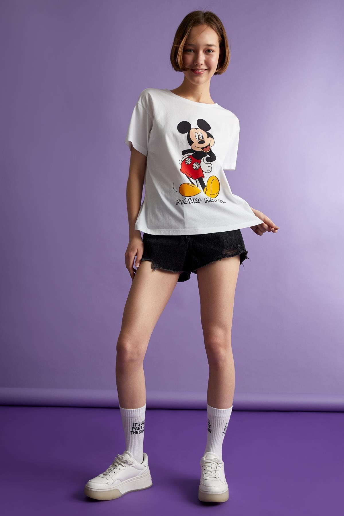 Defacto Mickey Mouse Lisanslı Oversize Fit Kısa Kollu Tişört 1