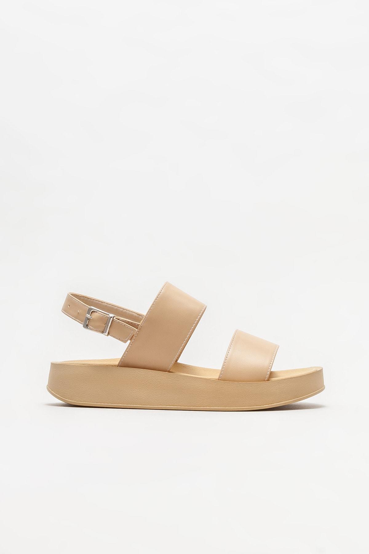 Naturel Kadın Dolgu Topuklu Sandalet