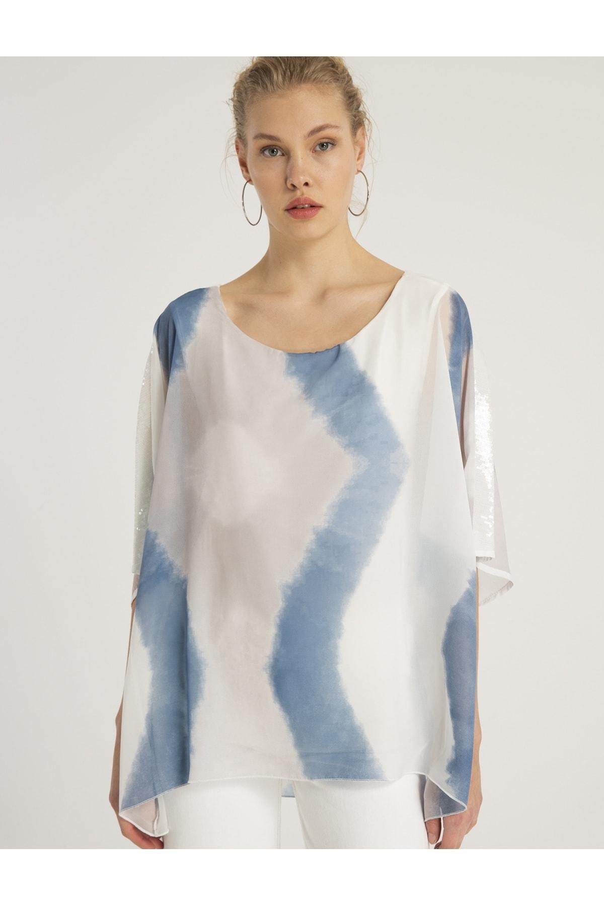 Kadın Ekru- Mavi Baskılı Yarasa Kollu Payet Şeritli Bluz