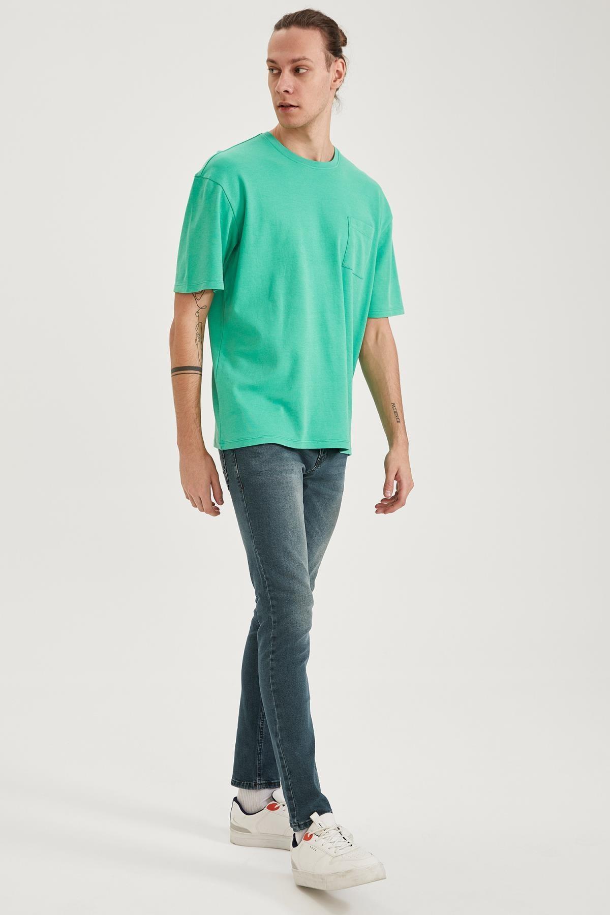 Defacto Oversize Fit Bisiklet Yaka Basic Tişört 1