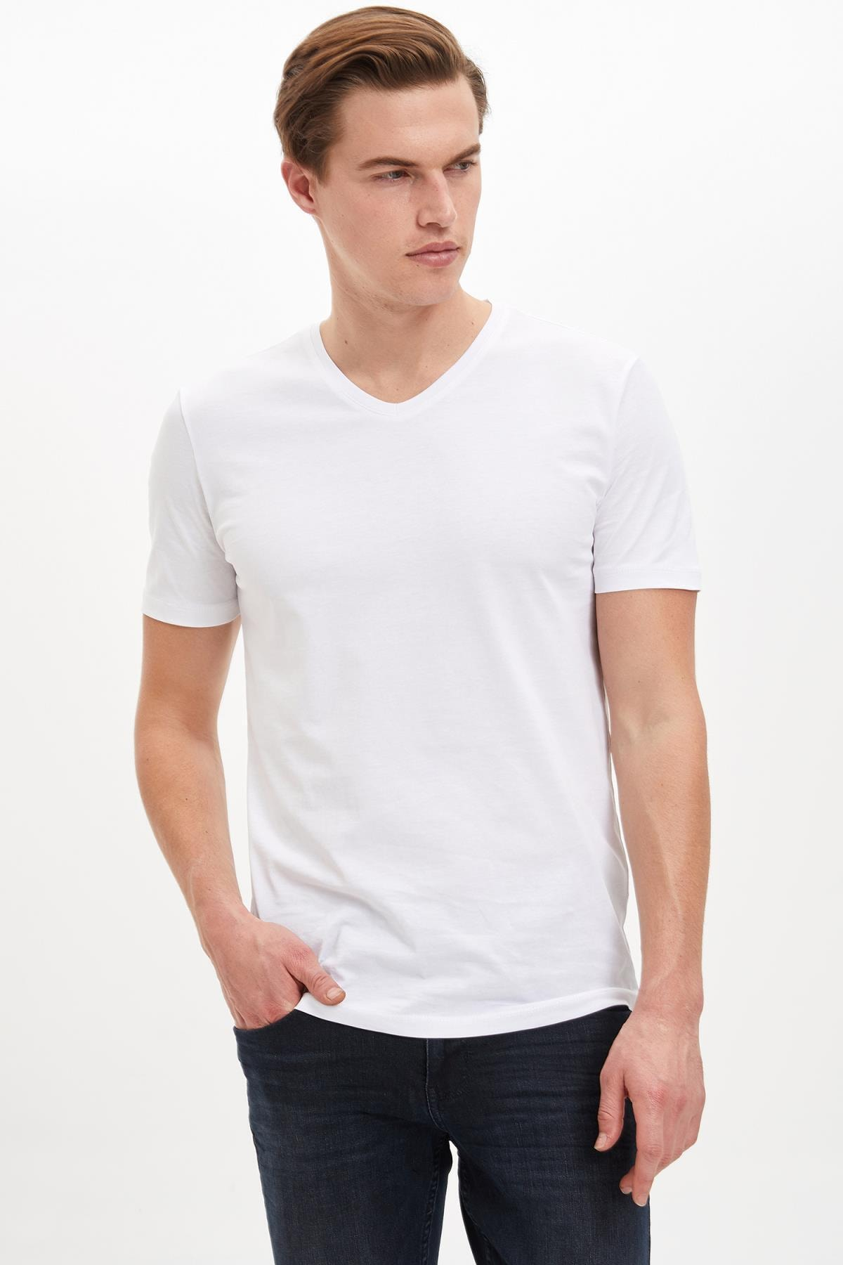 Erkek Beyaz Slim Fit V Yaka Basic Beyaz Tişört M7668AZ20SP