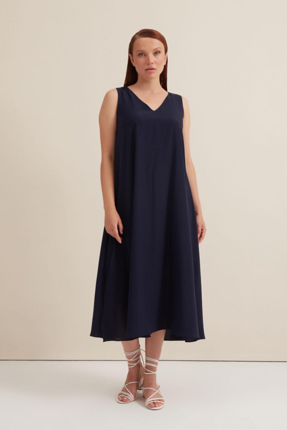 V Yakalı Uzun Elbise - Lacivert