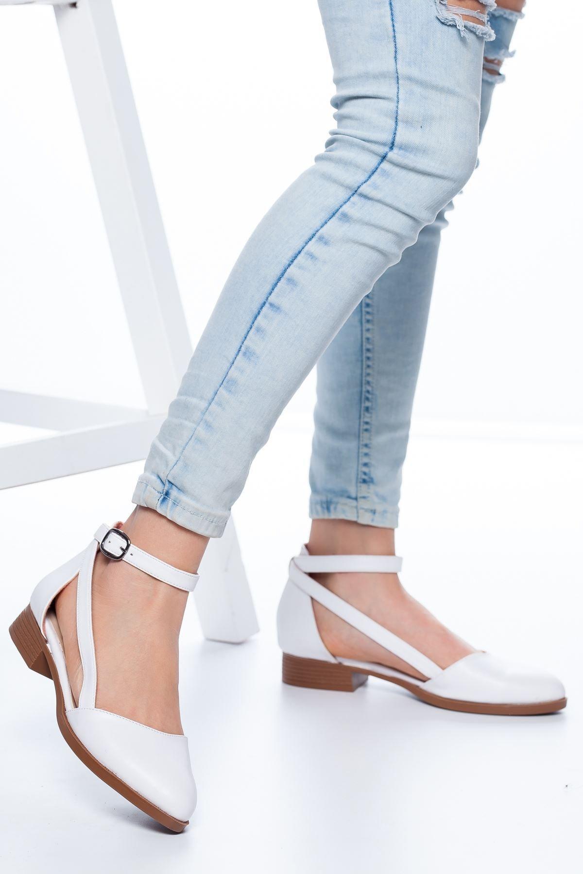 Kadın Beyaz Rayna Kısa Topuk Cilt Ayakkabı