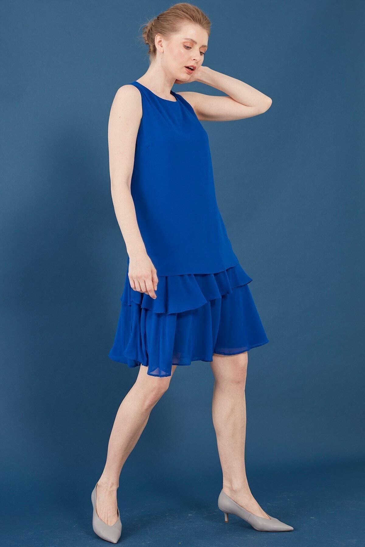 Elbise-o Yaka Kolsuz, Eteği Katlı