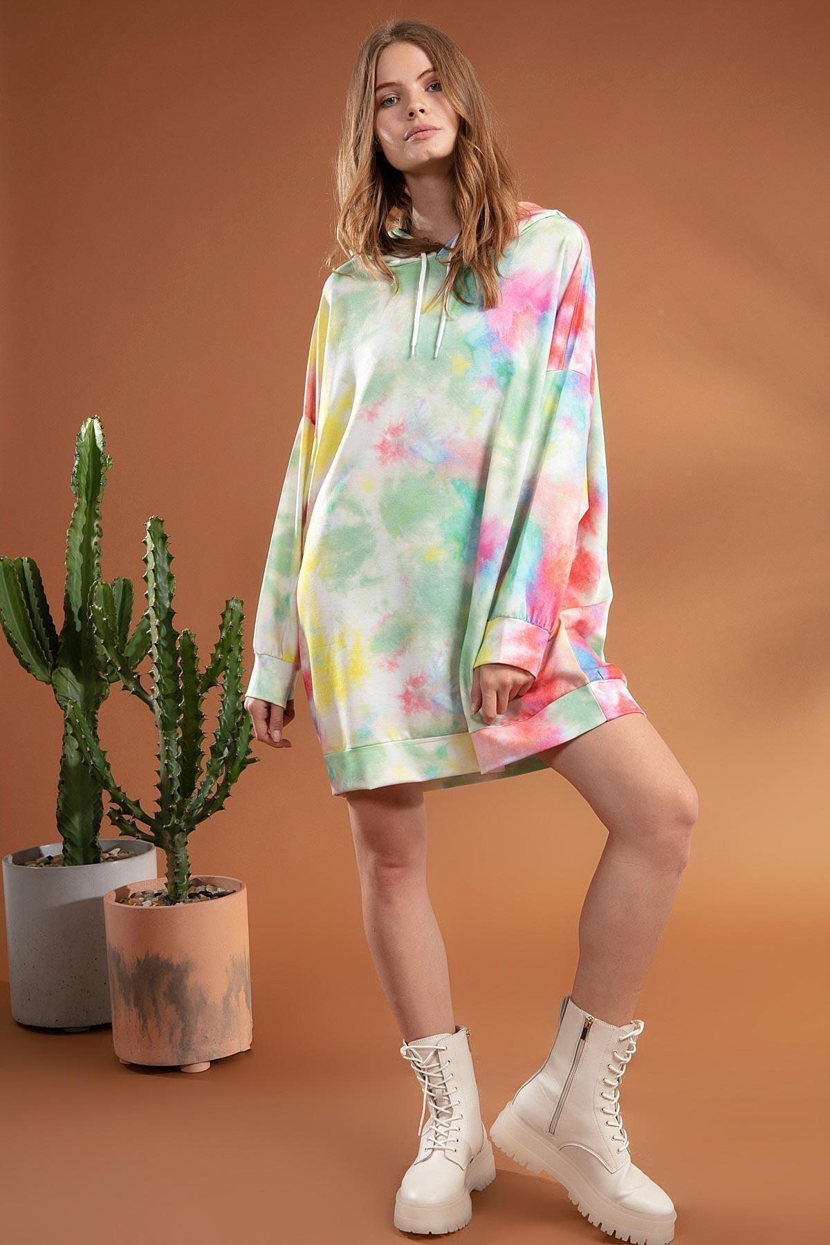 Kadın Batik Desenli Kapşonlu Oversize Sweatshirt Y20w110-4125-1