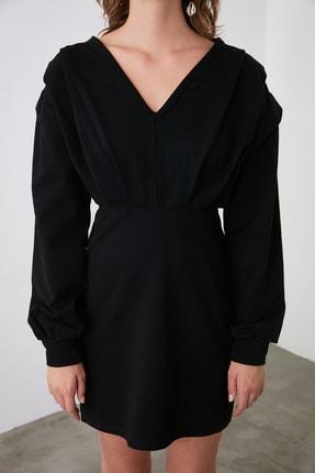 TRENDYOLMİLLA Siyah V Yaka Beli Oturan Örme Elbise TWOAW21EL1976 2