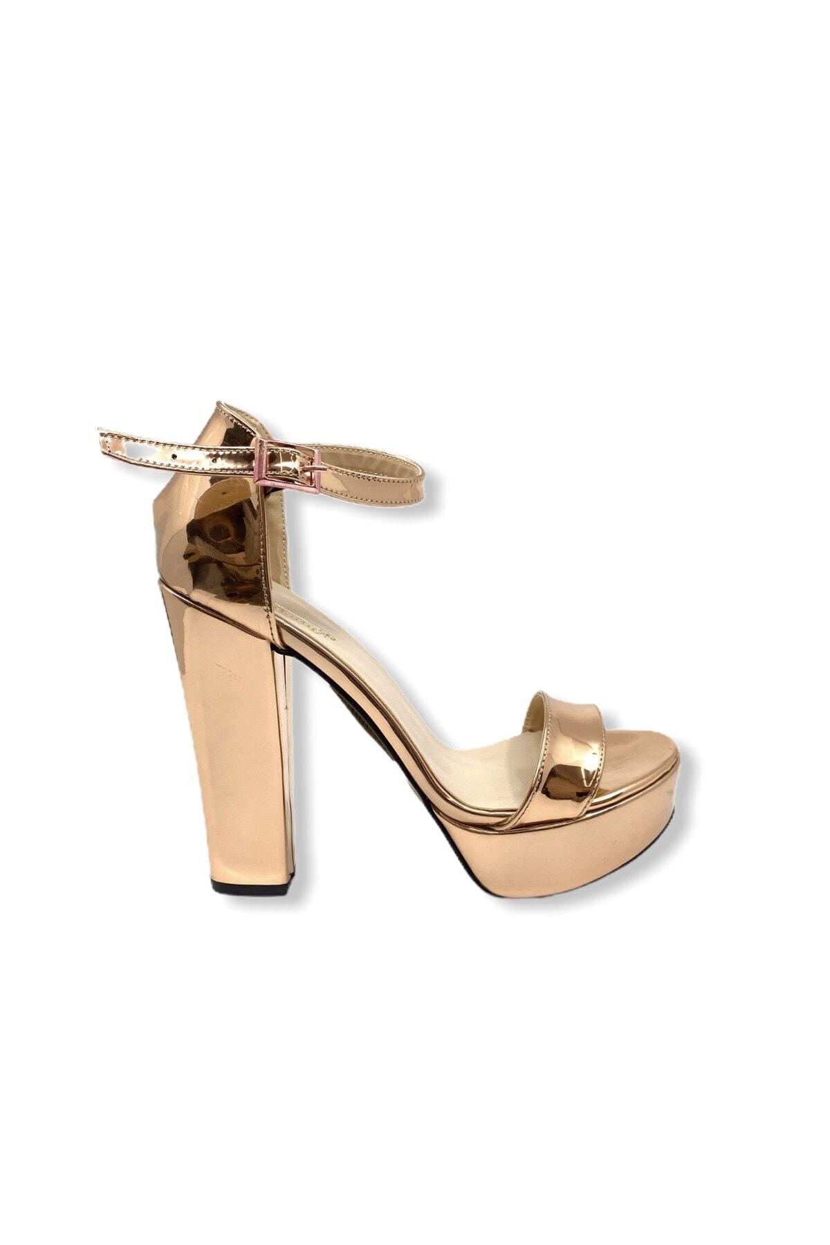 Stil Durağı Kadın Pembe Topuk Boyu Platform Taban Tek Bant Ayakkabı 14 cm
