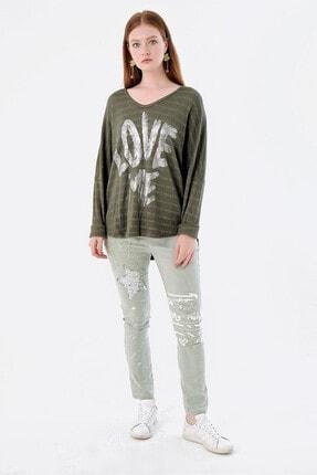 Pua Fashion Kadın Haki V Yaka Önü Yazılı Simli Bluz 0