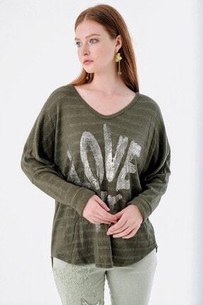 Pua Fashion Kadın Haki V Yaka Önü Yazılı Simli Bluz 1