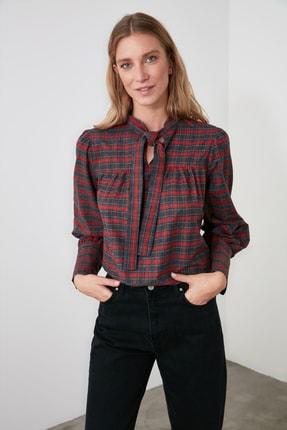 TRENDYOLMİLLA Kırmızı Bağlama Detaylı Bluz TWOAW20BZ0672 1