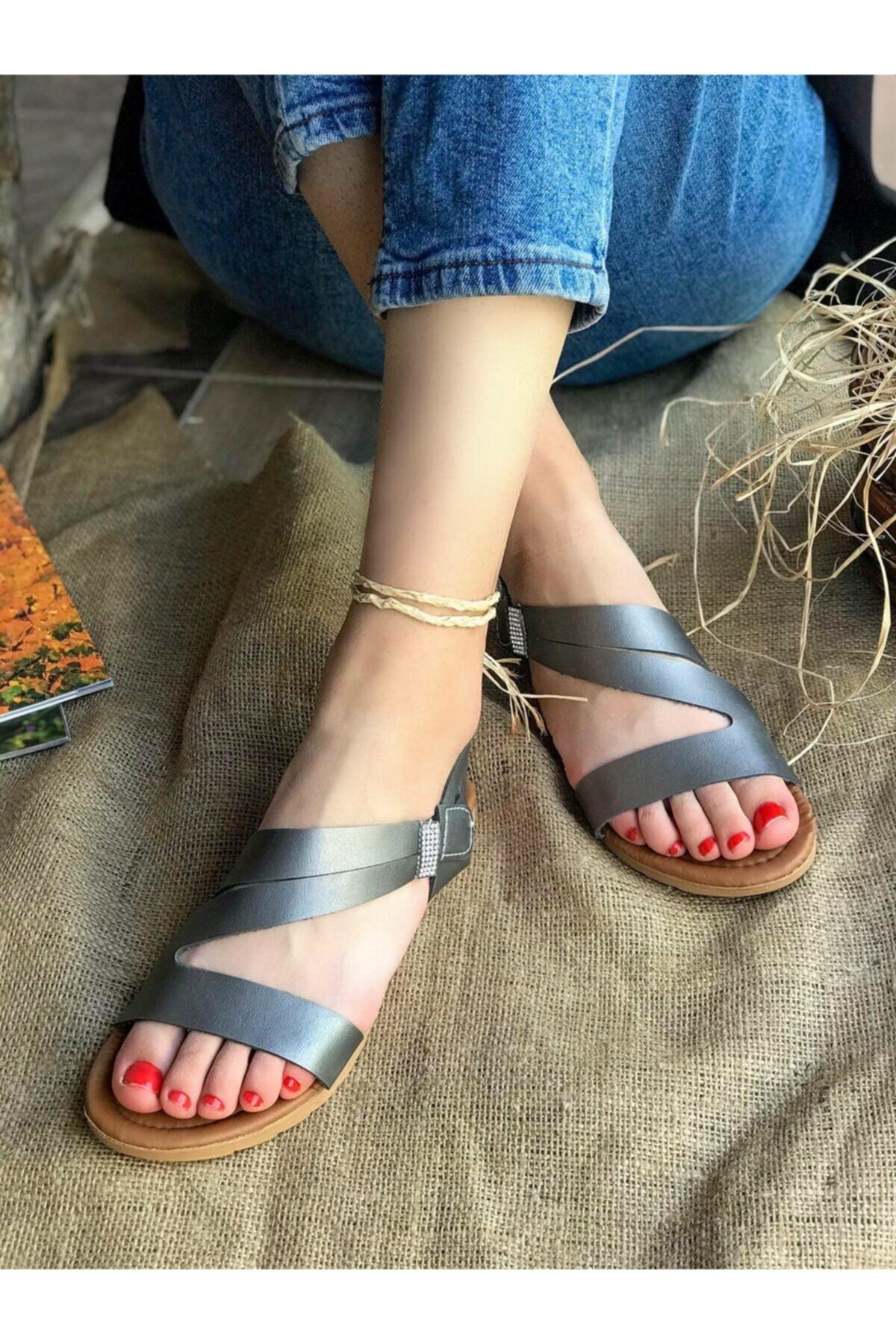 Hepsi Moda Kadın Gri Taş Detay Sandalet