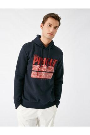 Koton Erkek Lacivert Kapüsonlu Uzun Kollu Baskili Sweatshirt 1