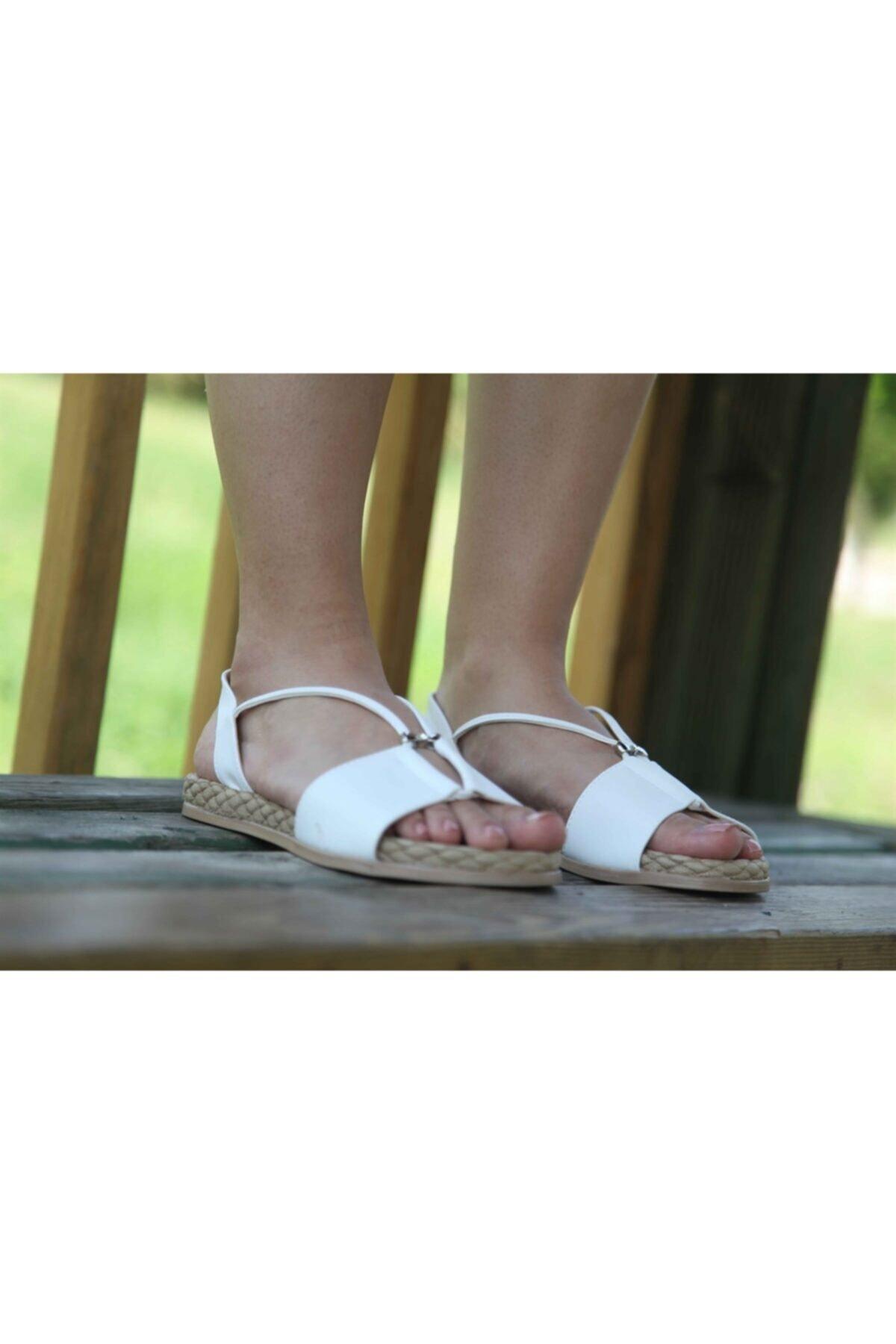 Matilla Kadın Beyaz Sandalet