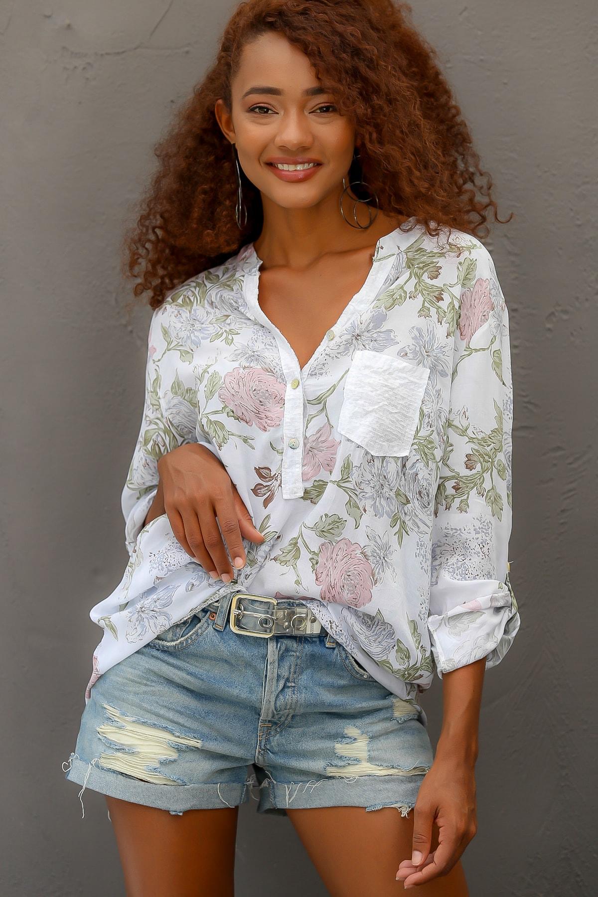 Kadın Beyaz Italyan Gül Desenli Patı Ve Cebi Pul Dokuma Uzun Kol Ayar Düğmeli Bluz M10010200bl95057
