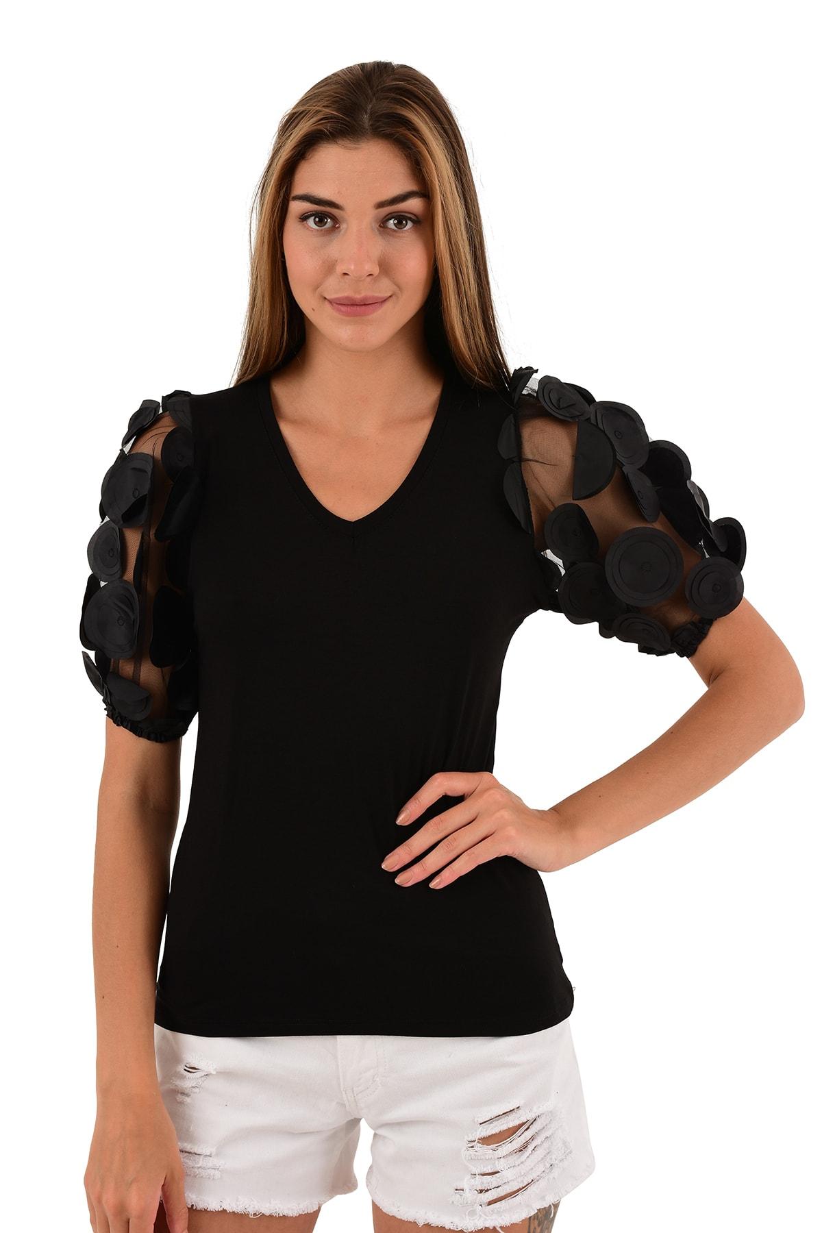 Siyah V Yaka Kol Detaylı Bluz