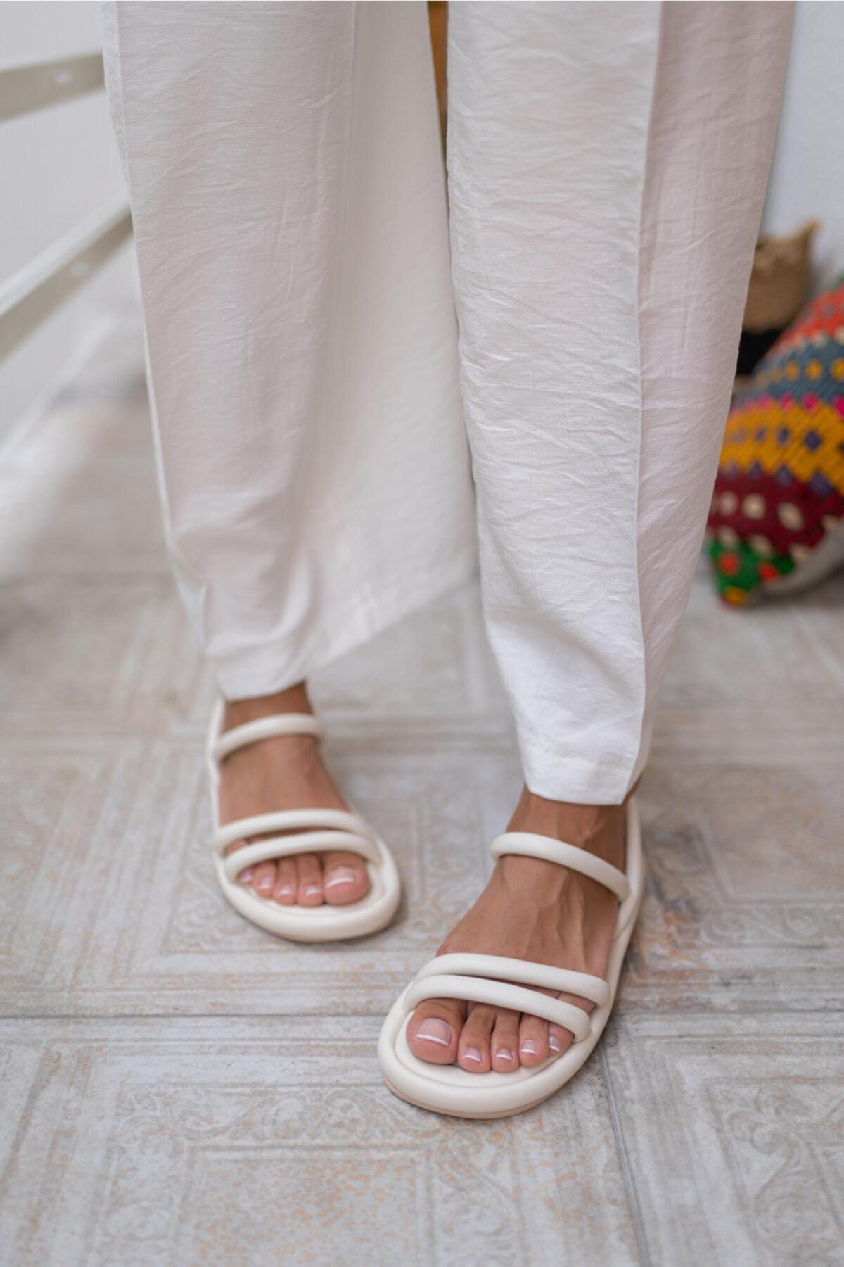 Kadın Bej Vegan Deri Sandalet