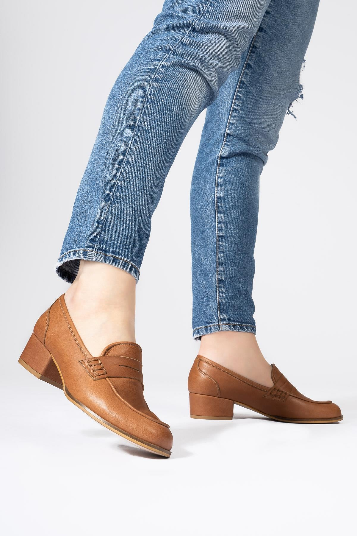 Hakiki Deri Topuklu Loafer Yuvarlak Burun Ayakkabı
