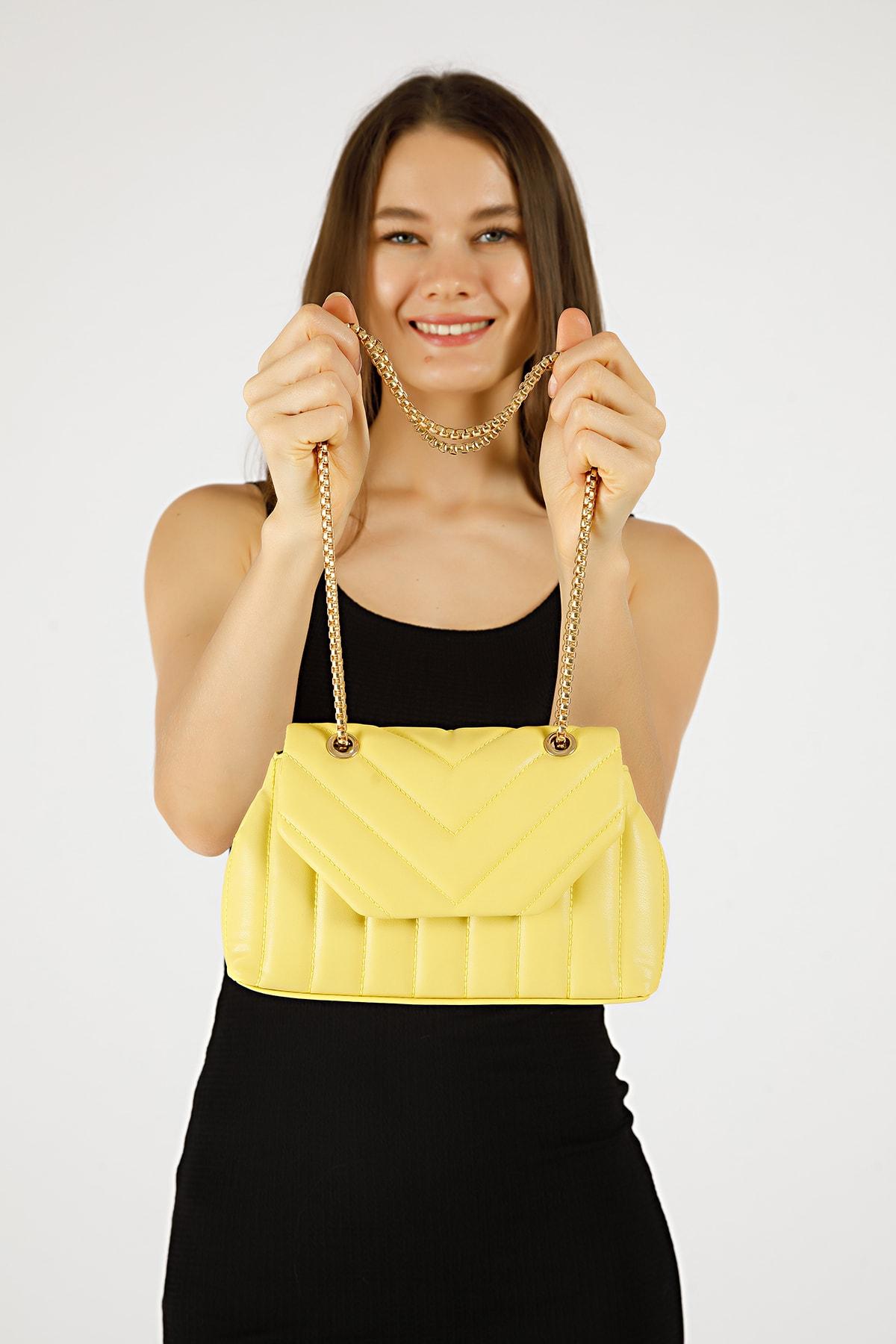 Kadın Sarı Nakışlı Mini Gissle Çanta