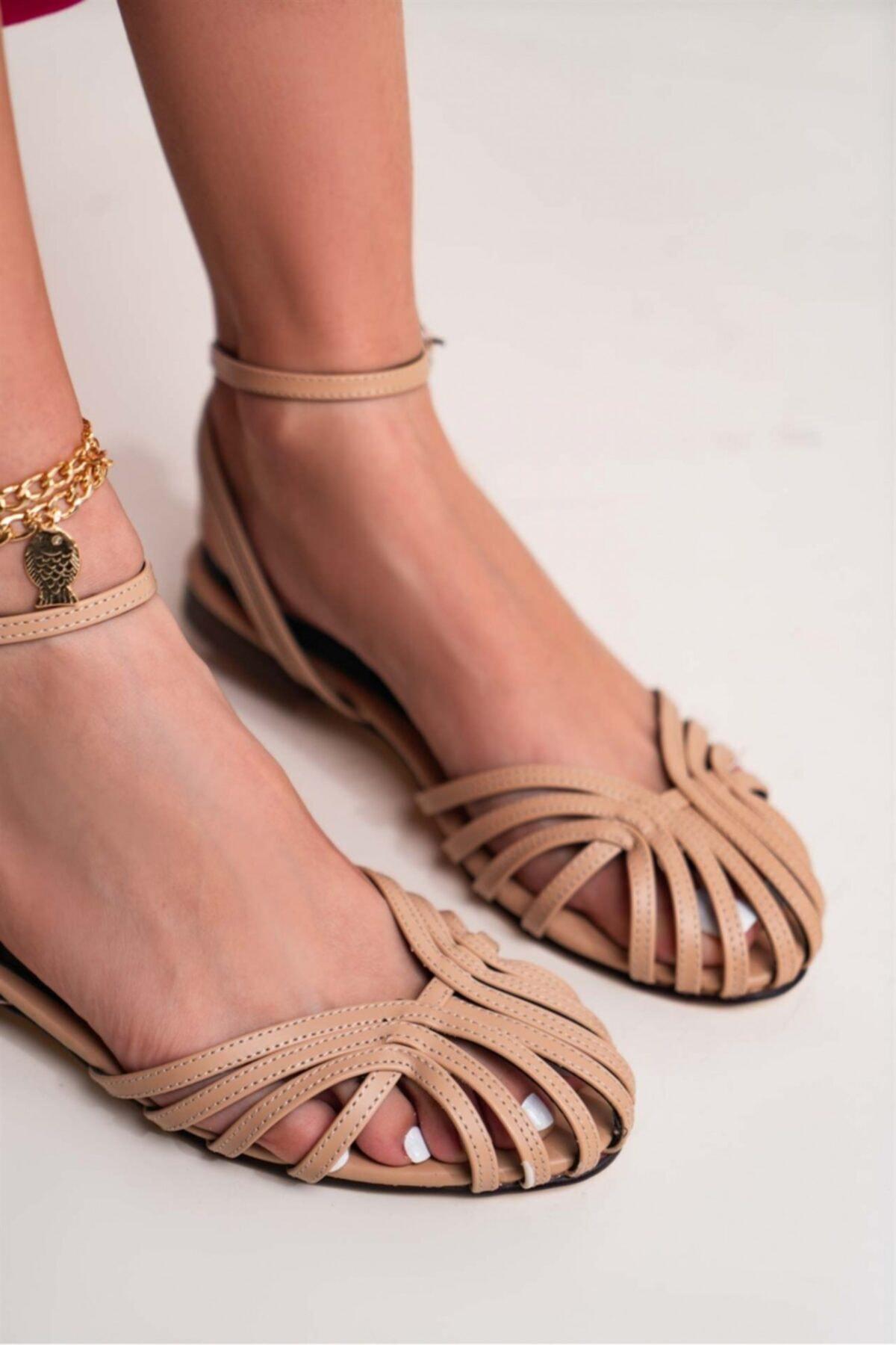 Kadın  Bej  Gween Mat Bilekten Kemerli Sandalet