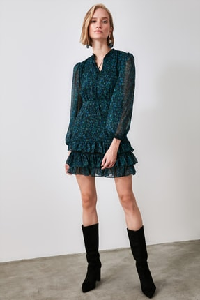 TRENDYOLMİLLA Yeşil Desenli Volanlı Elbise TWOAW21EL1442 2