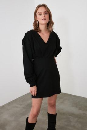 TRENDYOLMİLLA Siyah V Yaka Beli Oturan Örme Elbise TWOAW21EL1976 1