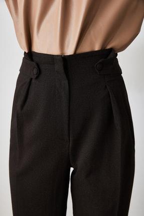 TRENDYOLMİLLA Antrasit Düğme Detaylı Pantolon TWOAW21PL0403 4