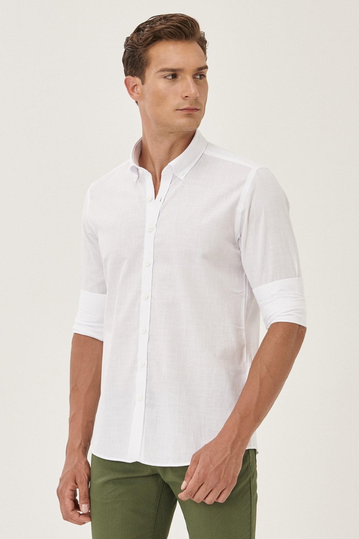 Erkek Beyaz Tailored Slim Fit Dar Kesim Düğmeli Yaka %100 Koton Gömlek