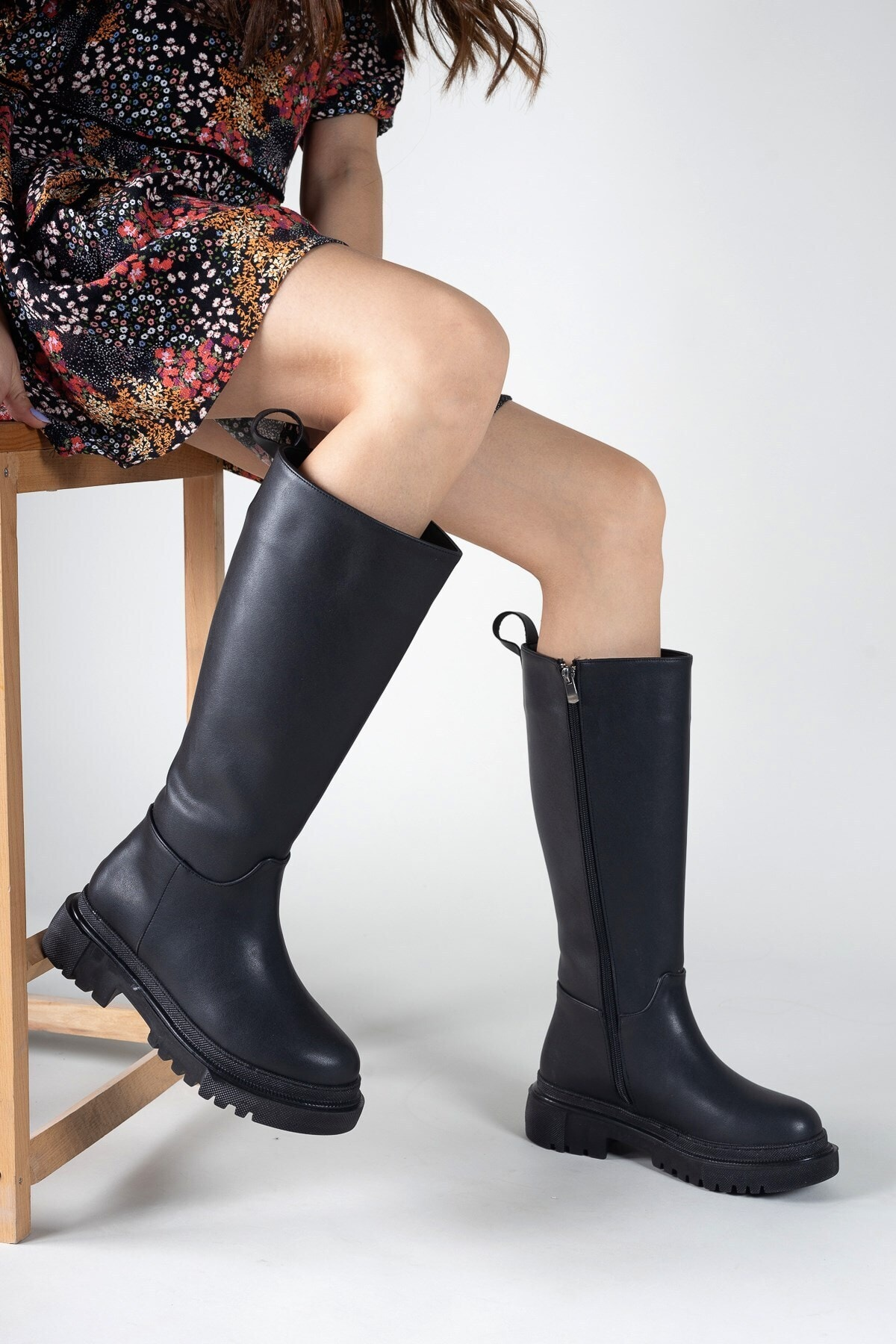 Siyah Cilt Kadın Çizme 0012360