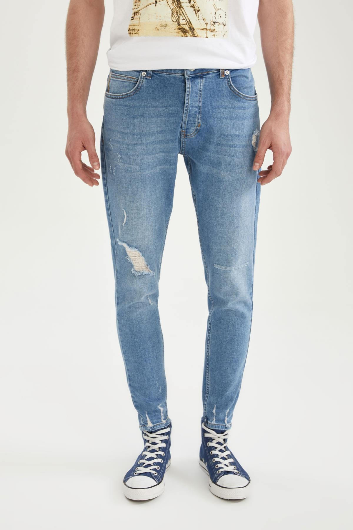 Carrot Fit Normal Bel Boru Paça Yırtık Detaylı Jean Pantolon