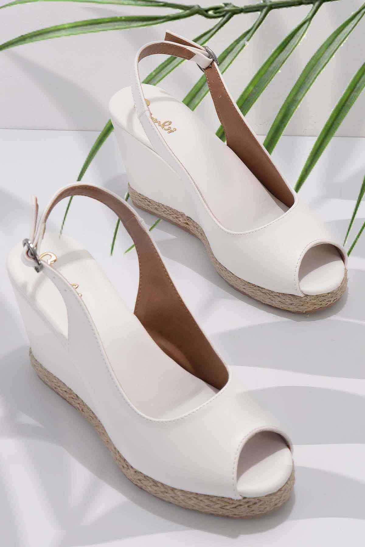 Beyaz Kadın Dolgu Topuklu Ayakkabı K05874011609