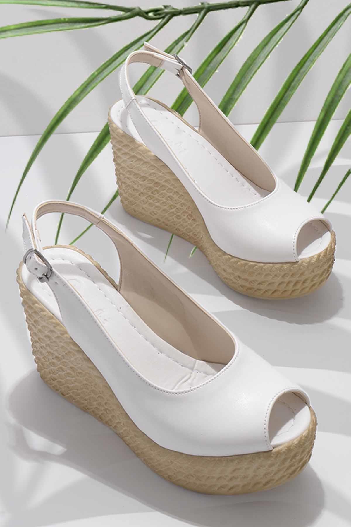 Beyaz Kadın Sandalet K05936053509