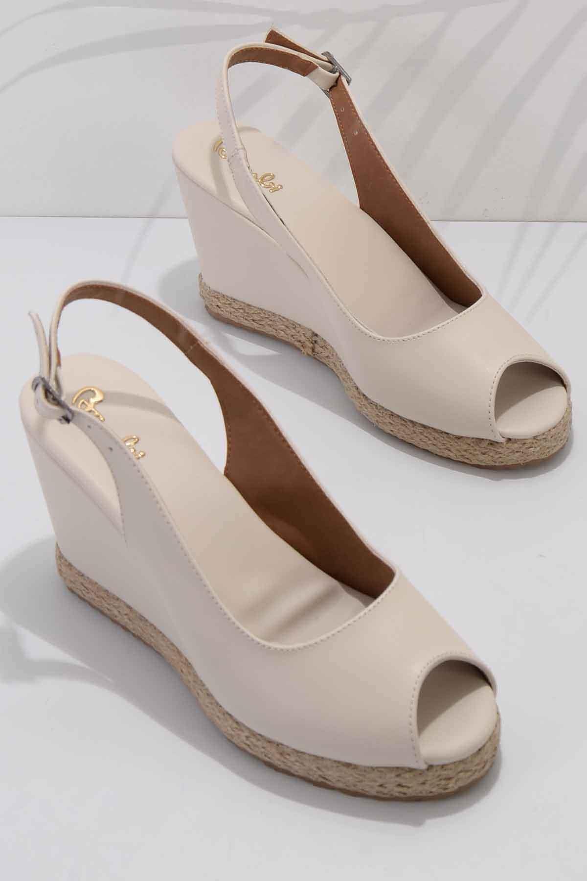 Bej Kadın Dolgu Topuklu Ayakkabı K05874011609