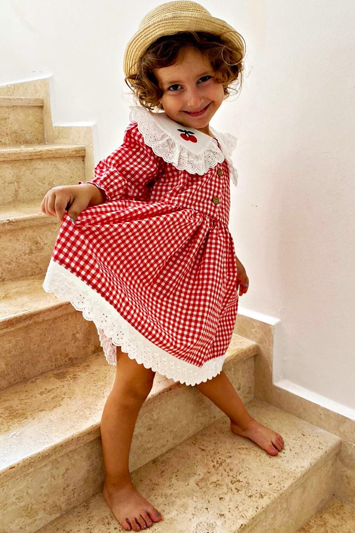 Kız Bebek Kırmızı Beyaz Pötikareli Kiraz Detaylı Yakası Fırfırlı Uzun Kollu Elbise