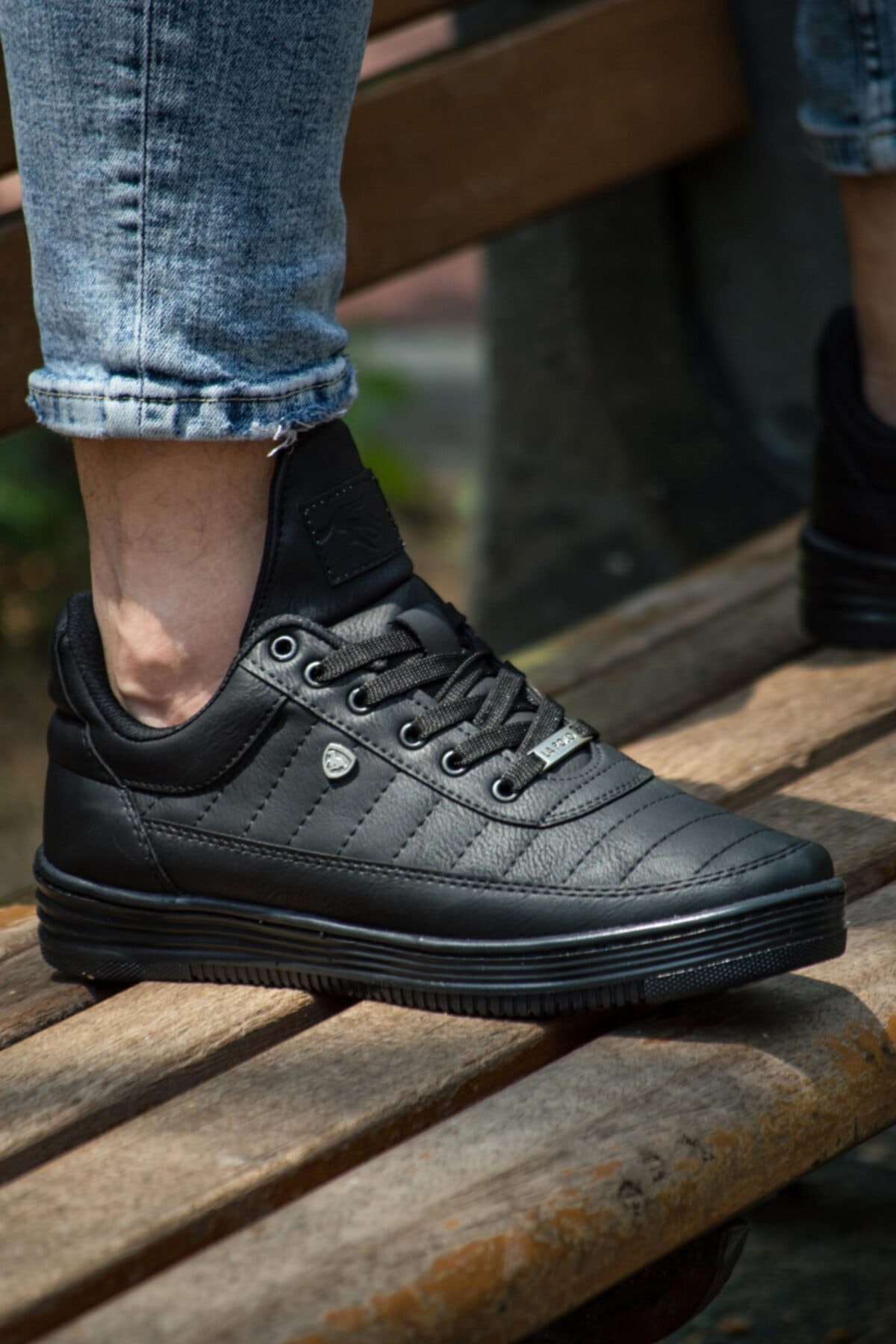 07 Siyah Siyah Dikişli Unisex Spor Ayakkabı