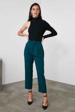 TRENDYOLMİLLA Zümrüt Yeşili Kemer Detaylı Pantolon TWOSS19BB0468 1