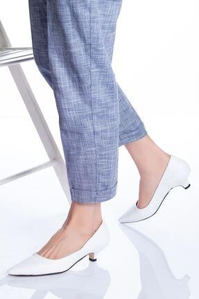 Ayakkabı Frekansı Kadın Beyaz Cilt Topuklu Ayakkabı 1