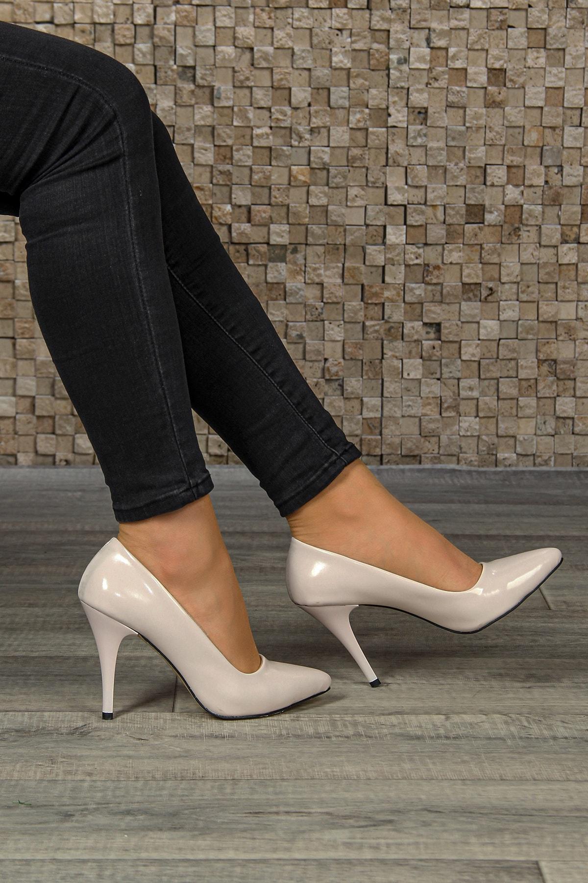 ZEYNELBOZ Kadın Siyah Rugan Topuklu Ayakkabı