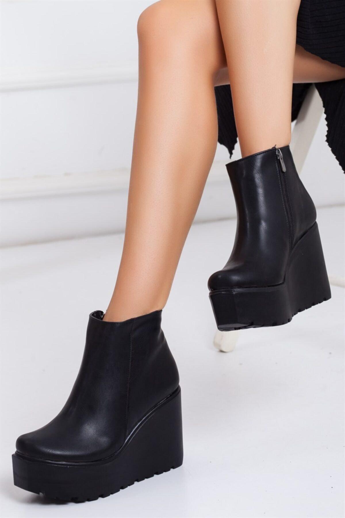 Lovita Shoes Kadın Siyah Dolgu Süet Topuk Bot