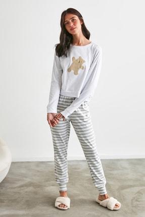 TRENDYOLMİLLA Gri Ayı Baskılı Örme Pijama Takımı THMAW21PT0302 0