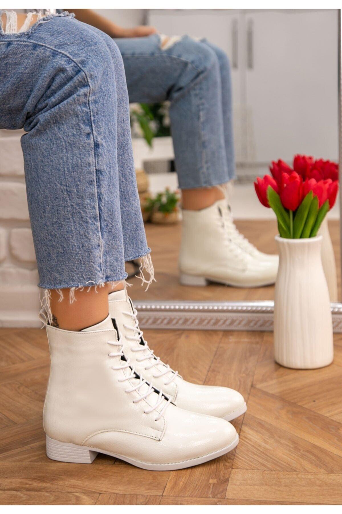 WoW Ayakkabı Kadın Beyaz Rugan Desenli Bot