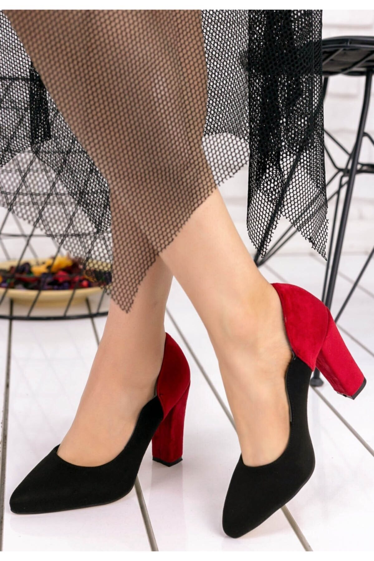 Merkatik Kadın Siyah Kırmızı Süet Topuklu Ayakkabı