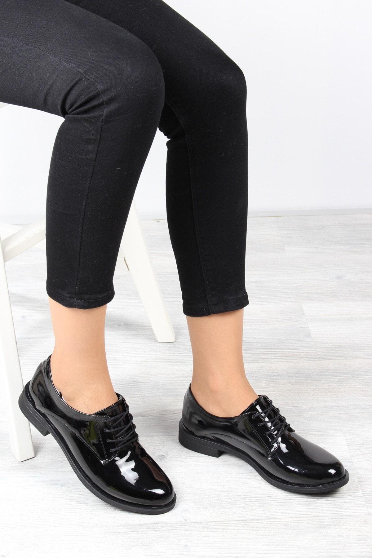 ayakPARK Günlük Klasik Siyah Rugan Iş Ofis Kadın Ayakkabı