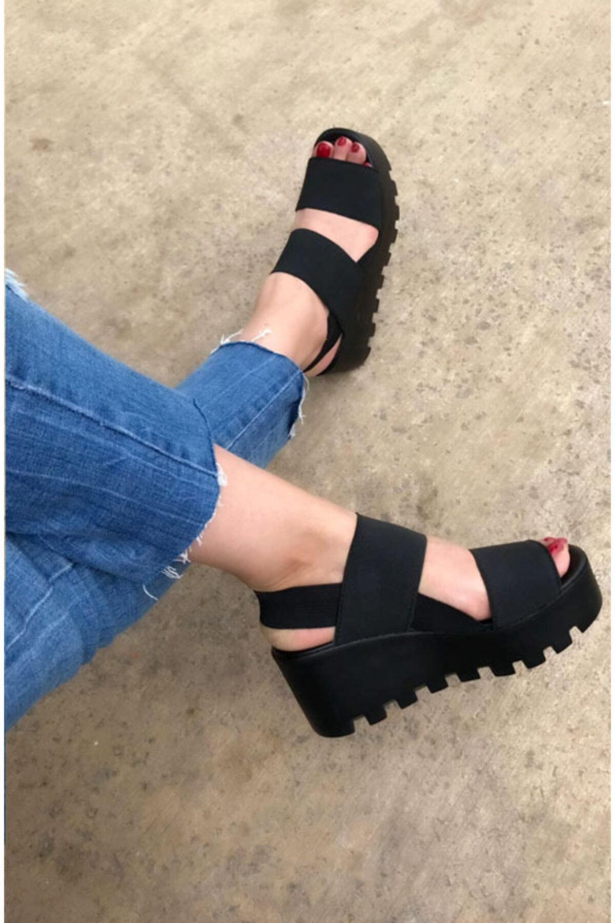 BY LENA SHOES Kadın Siyah Samba Kalın Taban Lastik Sandalet