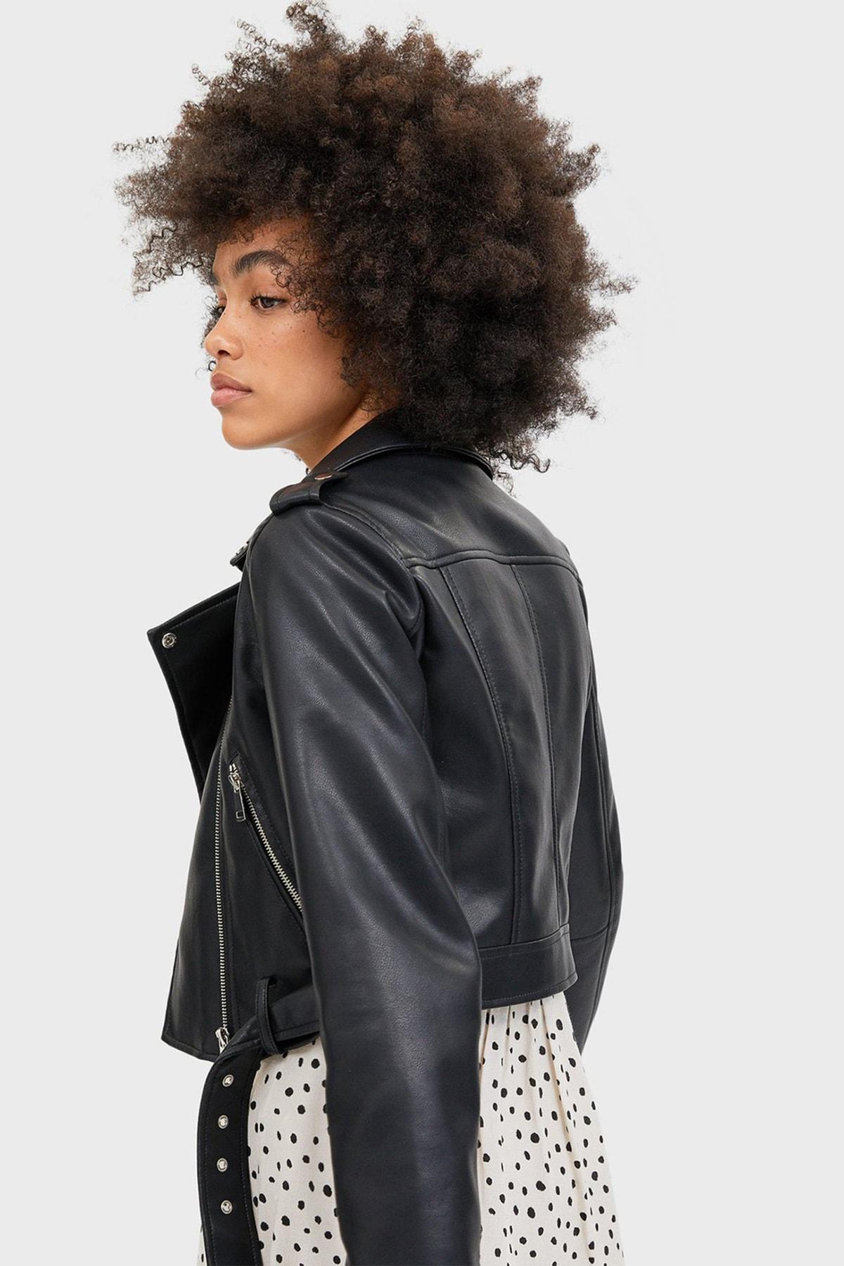 Stradivarius Kadın Siyah Kemerli Suni Deri Basic Ceket 1